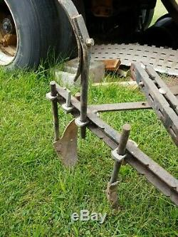 Garden tractor cultivator fits Wheelhorse