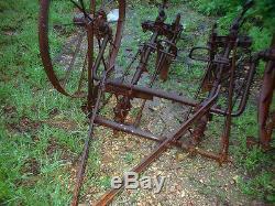 Antique Cultivateur Hippomobile